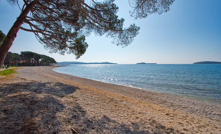 Let's go to the Croatian beaches!