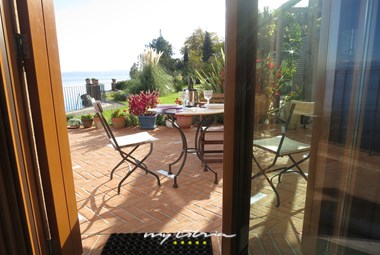 Beautiful outdoor sitting area with sea view - Villa Mirvami Lovran