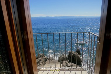 Villa Mirvami Lovran has a private sea access