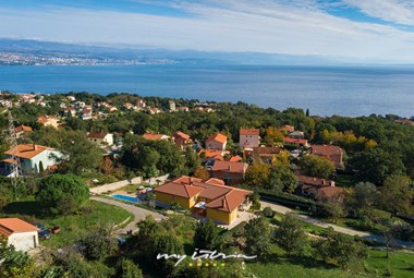 Villa Brajan is located only 1.2 km from the sea