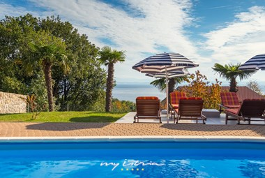 Villa with sea view and private pool in Lovran