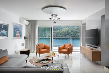 Cosy and modern living room in villa Vlastelini II