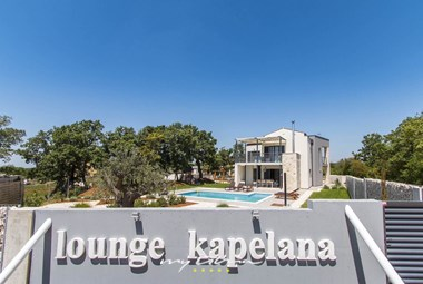 Lounge Kapelana with private pool.