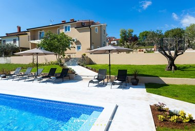 Lovely villa with private pool in Porec