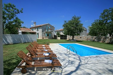 Tastefully restored stone villa with private pool in Central Istria