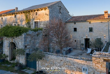 Charming completely renovated stone villa in Central Istria