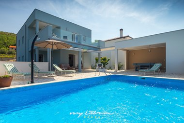 Villa Liber Tango and the inviting pool