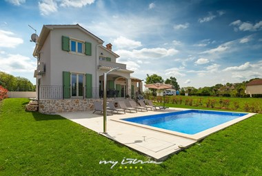 Charming family villa in central Istria