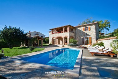 Charming villa with private pool in Porec