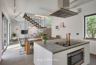 Completely equipped designer kitchen in Villa Buza