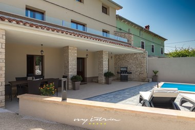 Villa DD with pool and nice outdoor area to relax
