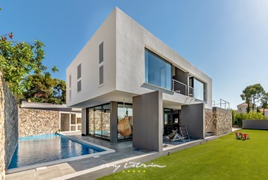 Modern design of villa Petra with private pool and garden