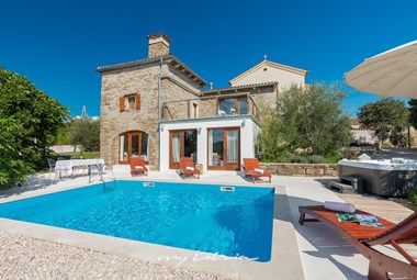 Beautiful villa Sussini with private pool and sunloungers near Labin