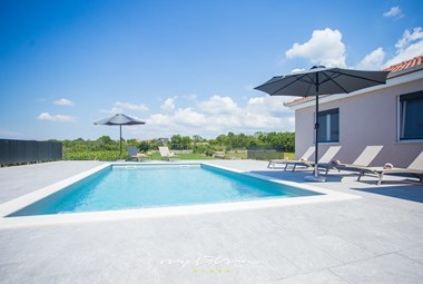 Beautiful villa Lemi with private pool and garden