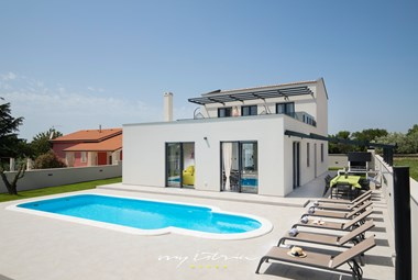 Modern villa Perle with private pool in Pula