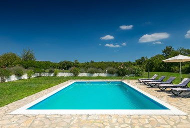 Villa Natura features a lovely private pool and beautiful garden