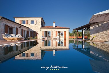 Luxury villa wit private pool