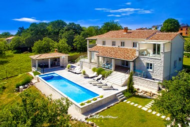 Villa Barbara is located at the edge of a small istrian hamlet