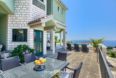 Amazing villa with pool and sea view in Sibenik