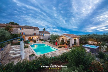 Charming Istrian stone villa with private pool