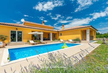 Villa with pool in Istria can accommodate 8 persons