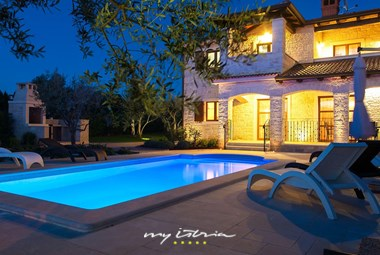 Magnificent villa with private pool near Porec