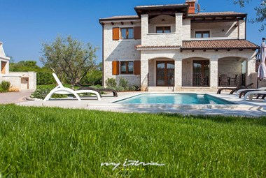 Villa Vabriga can accommodate up to 8 persons