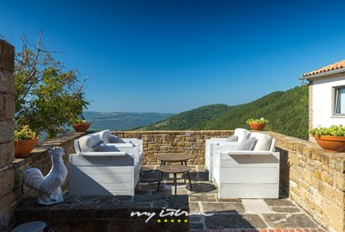 Enjoy your morning coffee on the villa´s balcony