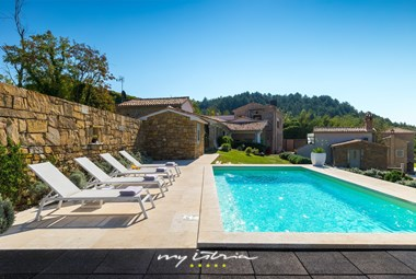 Villa Bencani is situated on a hilltop in Central Istria