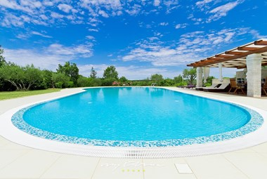 Large private pool in front of Villa La Madonnina
