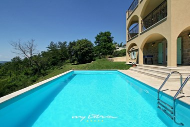 Villa Zora is equipped for 8 persons