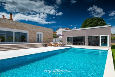 Modern contemporary Villa Matulini with private pool near Rovinj