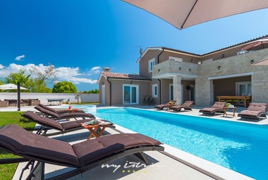 Elegant villa with private pool in Istria