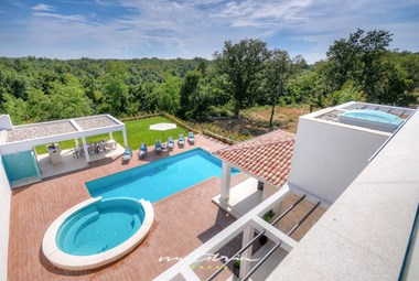 Beautiful view of the idyllic surroundings in Baderna from the villa's balcony