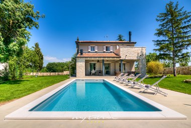 Elegant villa with private pool in central Istria