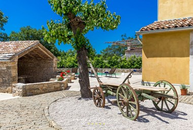 Enjoy the traditional Istrian charm in Villa Principi
