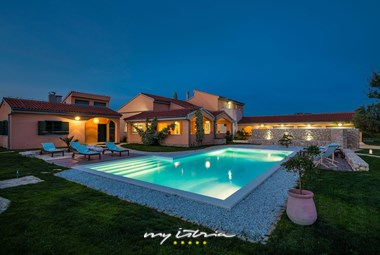 Villa´s beautiful private pool by night