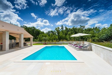 Enjoy the beautiful pool in our villa in Istria