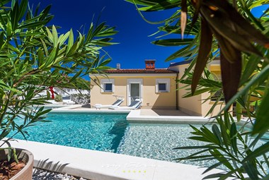 Villa Manuela with beautiful pool with an intimate atmosphere