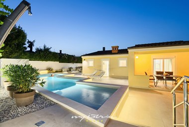 The villa is specially enjoyable in the evenings