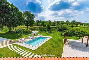 Private pool in the charming carefully tended garden of villa Viscum
