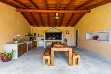 Enjoy your time in this fantastic villa with pool in Central Istria