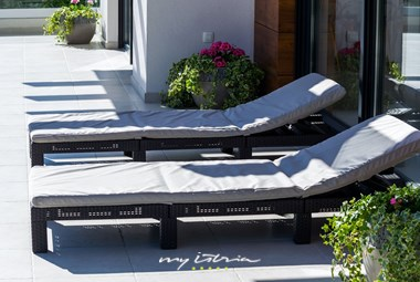 Comfy sun loungers in villa Bianca near Zadar