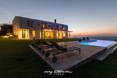 Stunning villa Vista with panoramic view of the surroundings and nature