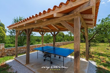 Table tennis at your disposal in Villa Aloe Vera