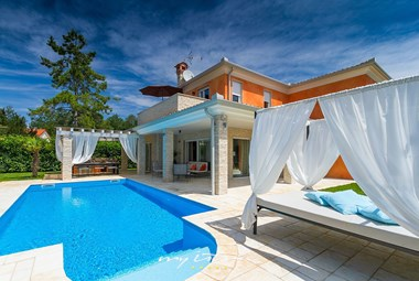 Beautiful villa with a lovely garden and private pool in Istria