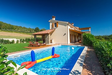 Gorgeous villa Penisola with private pool in unspoiled nature near Buzet
