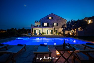 Enchanting villa Mir with private pool by night