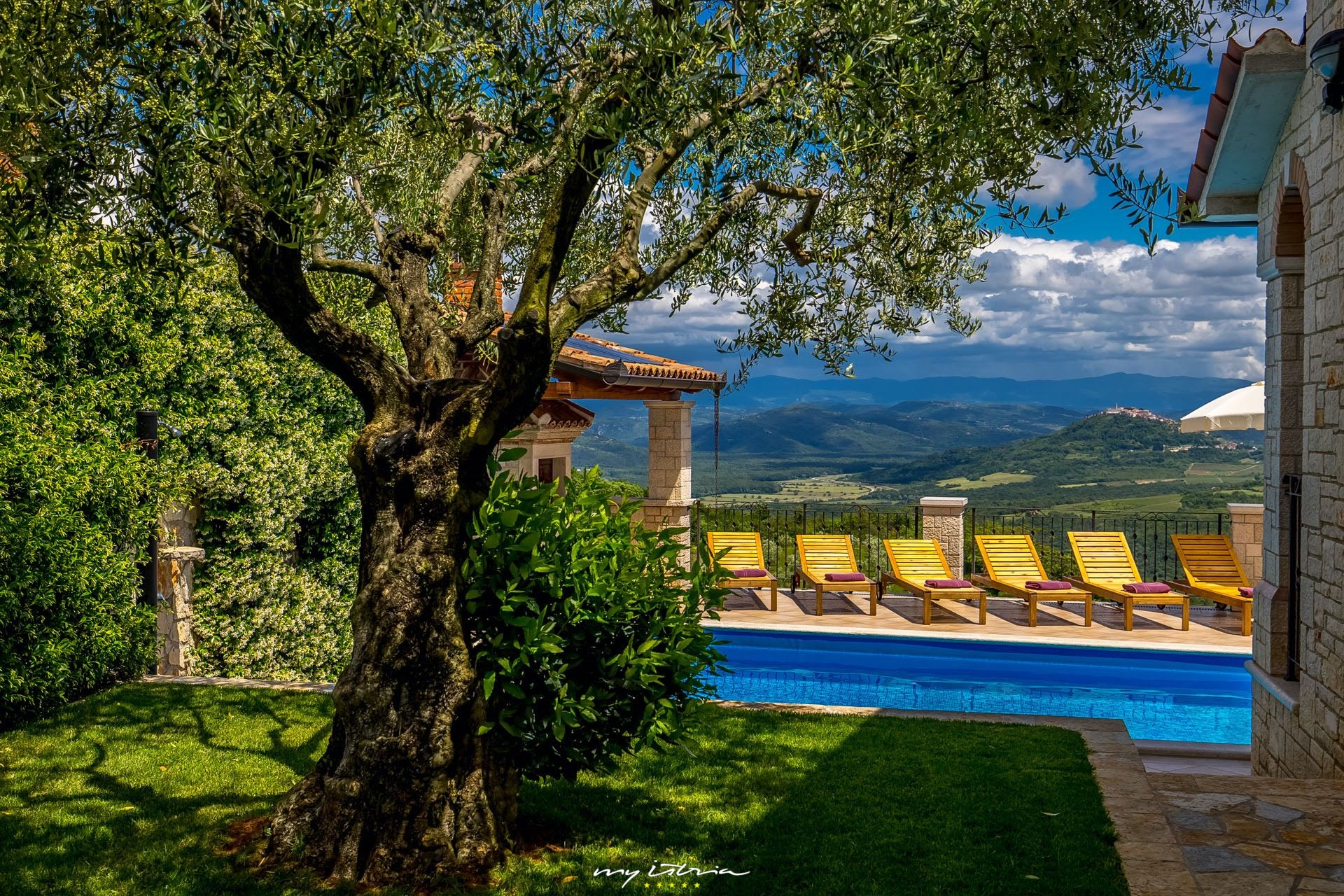 06e2cad157bc Villa Giorgia with private pool and stunning view ...