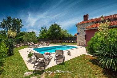 Beautiful restored villa with carefully tended garden and pool
